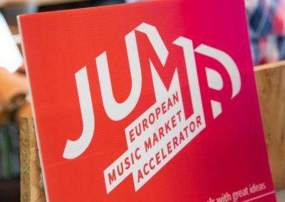 JUMP 3 - ©Studio Kominis